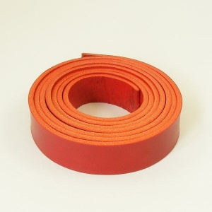 2 - 2.5mm Red Vegetable Tanned Leather Strip