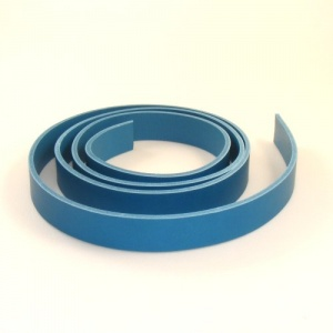 2 - 2.5mm Turquoise Vegetable Tanned Leather Strip