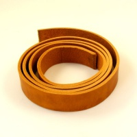 2.8-3mm Tan Waxy Rustic Belt Strip