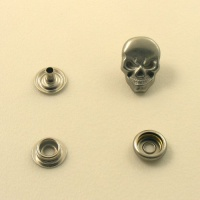Decorative Press Stud Skull Design