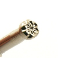 D617 Leather Stamp Tiny Flower